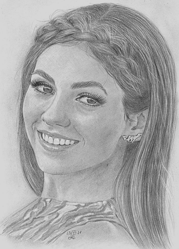 Victoria Justice by aes25